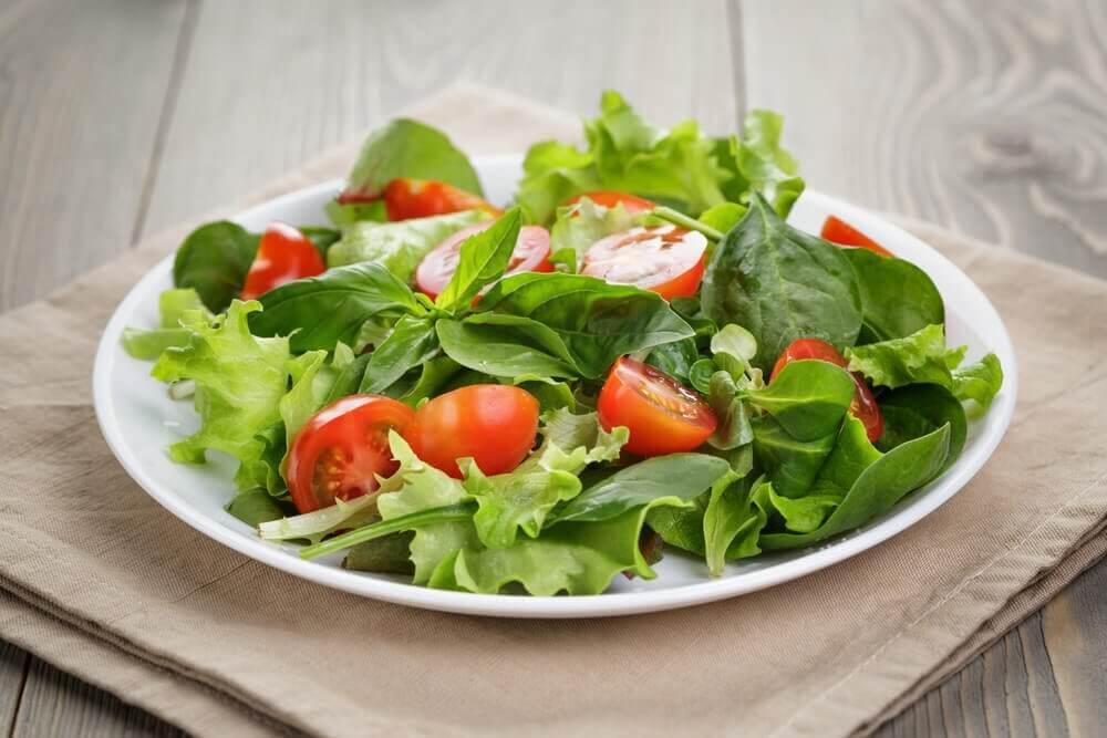 pour perdre du poids mangez des salades