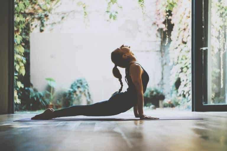 3 pratiques de yoga qui aident à gérer le stress