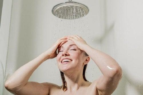 Prendre une douche chaude pour bien dormir