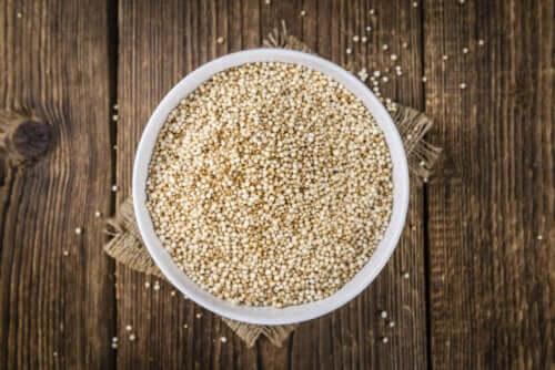 Manger du quinoa pour perdre du poids : quels sont ses avantages ?