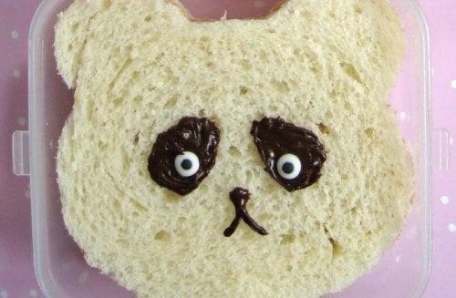 recettes faciles à faire avec les enfants : panda en pain de mie