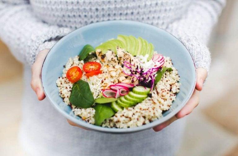 3 délicieuses recettes de salades à base de quinoa
