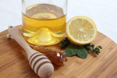 Citron, huile d'olive et vinaigre de cidre : un remède idéal pour les calculs rénaux