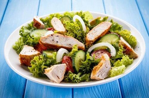 Recettes d'entrées : salade au poulet