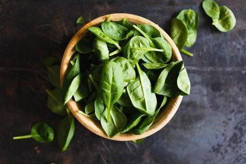 salade détox aux épinards