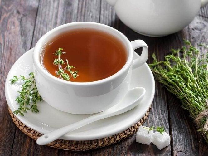 Propriétés et bienfaits du thym en infusion pour votre santé
