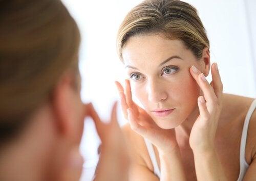 L'utilisation du vinaigre de cidre pour se laver le visage