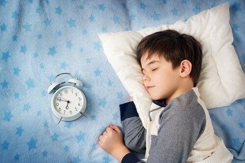 le coucher tardif des enfants peut avoir des conséquences négatives