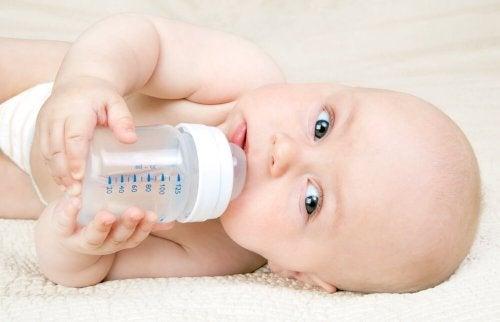 Méthode Kassing ou comment donner le biberon sans nuire à l'allaitement maternel
