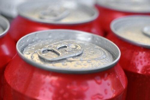 les boissons sucrées font partie des aliments à éviter pour perdre du poids