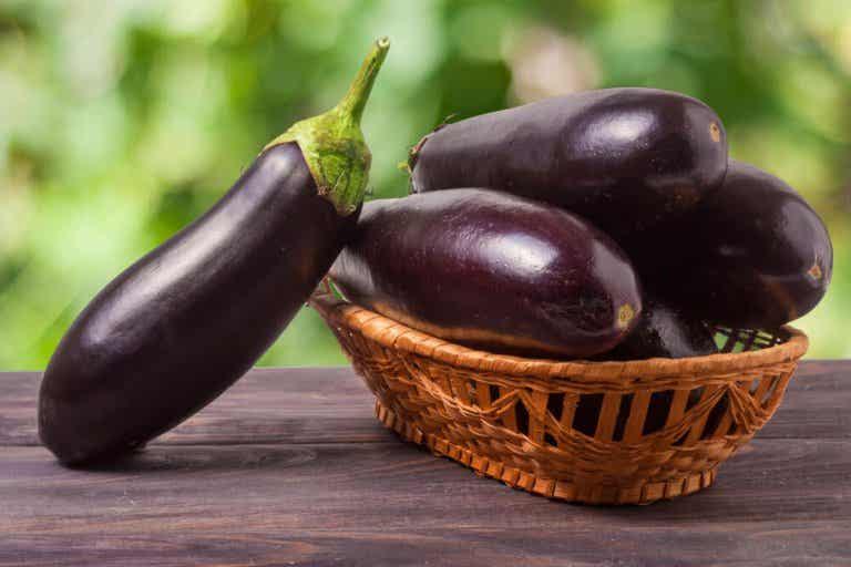 L'eau d'aubergine : une formule naturelle pour réduire le cholestérol