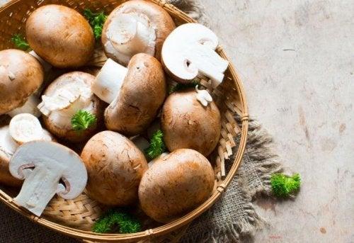 Des champignons farcis à la crème et au fromage