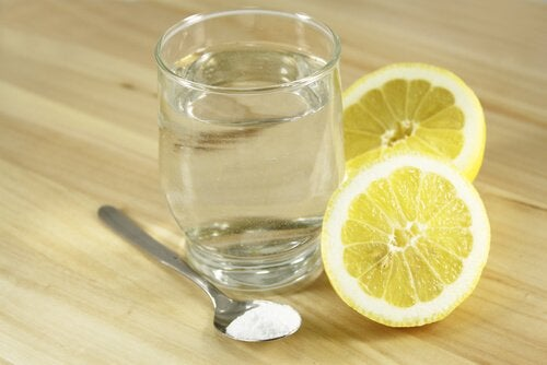 le mélange citron et bicarbonate de soude pour calmer les douleurs abdominales