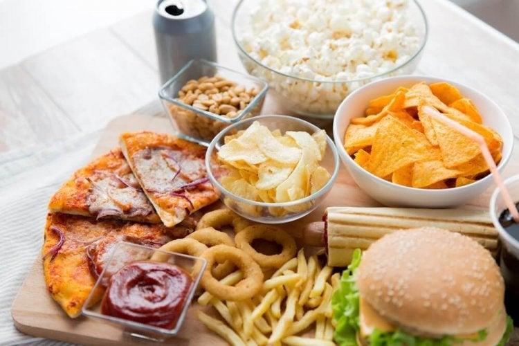 Aliments à éviter en cas d'ulcères d'estomac.