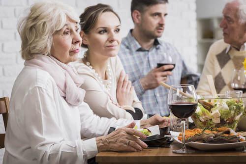 La famille empêche de dépendre émotionnellement de son partenaire