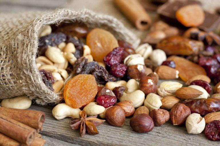 Quels sont les bienfaits des fruits secs dans un régime alimentaire ?
