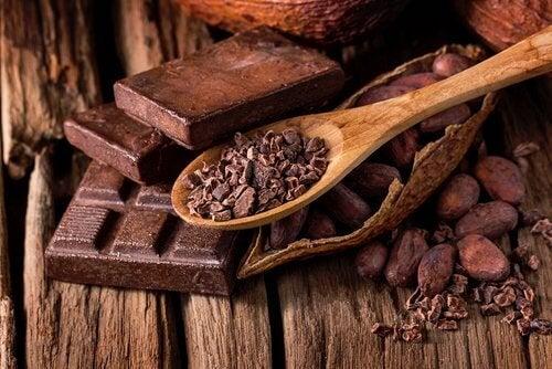 Le chocolat noir est bon pour la santé intestinale.