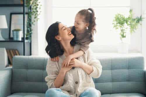 5 phrases affectueuses que vous devez dire à votre enfant