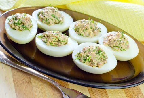 Des œufs pour dessiner vos muscles.