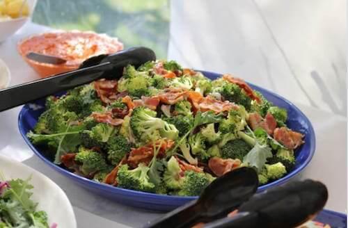 Poêlée de brocoli et de jambon au four