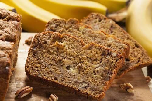 La préparation du gâteau à la banane