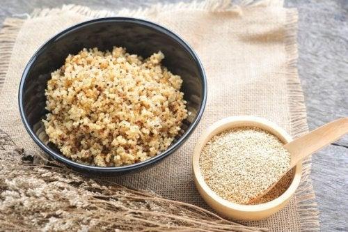 Préparation du risotto au quinoa.