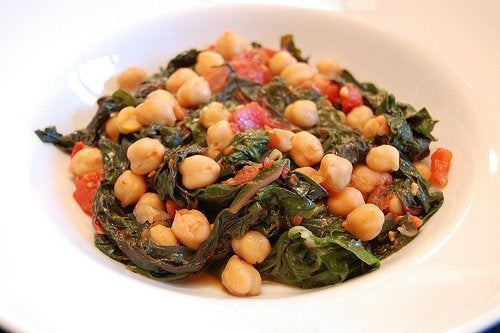 des recettes riches en fibre : salade de pois chiches