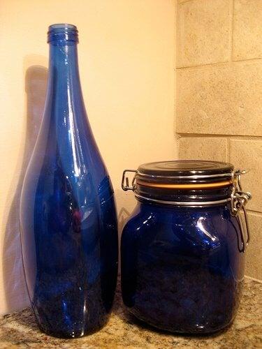 Recycler une bouteille en verre