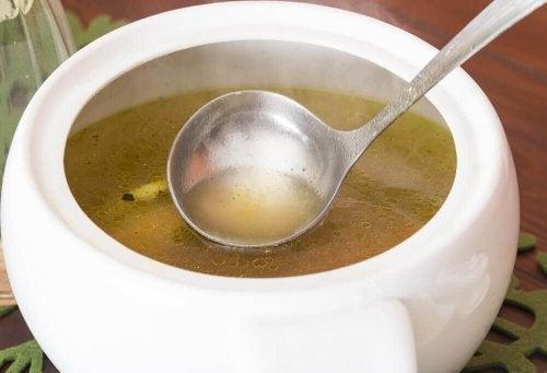 Découvrez cette soupe au choux parfaite pour le régime