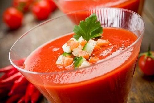 un gazpacho pour un dîner hypocalorique