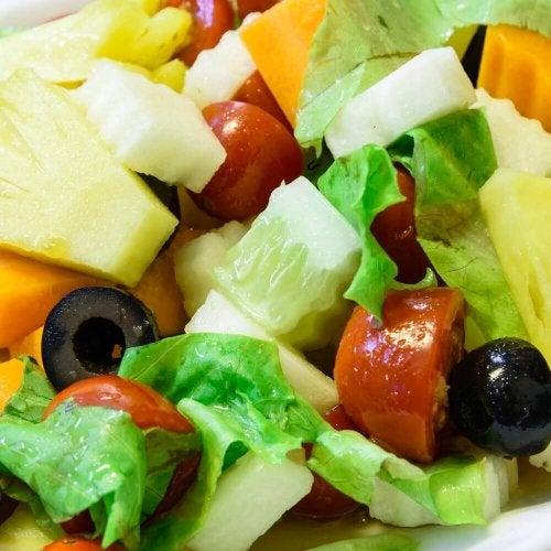 3 salades à l'ananas parfaites pour vos dîners