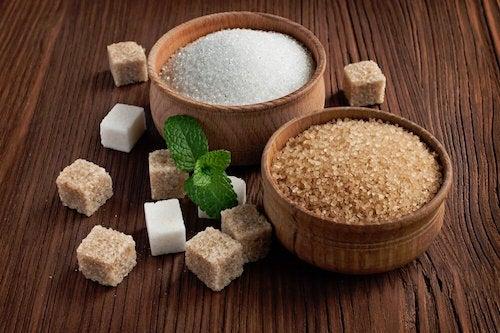 La quantité de sucre présente dans le gâteau au fromage et à la confiture de fraise
