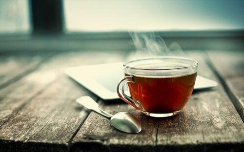 Les nanoparticules de feuilles de thé qui peuvent vaincre le cancer du poumon