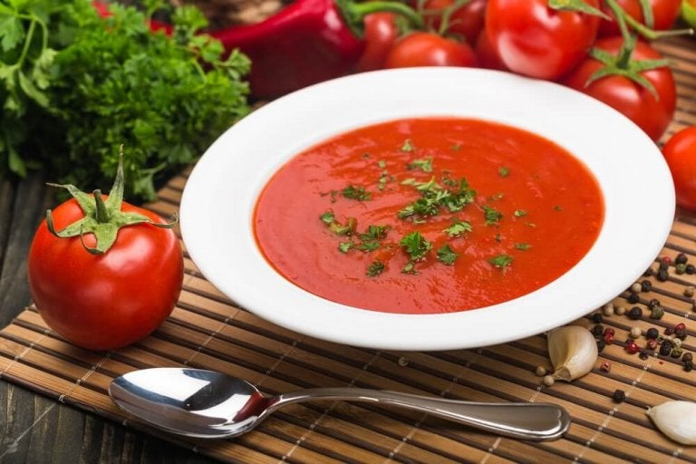Délicieuses recettes de soupe à la tomate faites maison