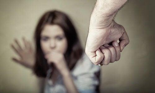 Les signes que la violence psychologique laisse sur le corps