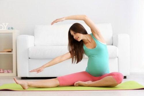 le Pilates pendant la grossesse : une bonne ou une mauvaise chose ?