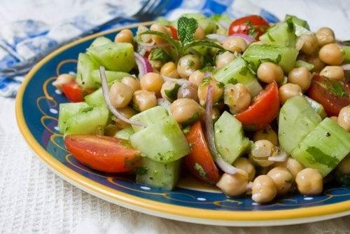 4 Delicious Legume салат рецептілері
