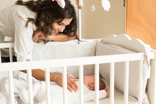 les soins du bébé pendant ses premiers mois