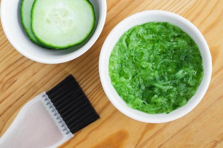 L'utilisation du concombre pour les cheveux.