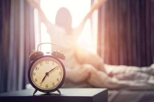 Fixer un horaire de sommeil pour mieux dormir.