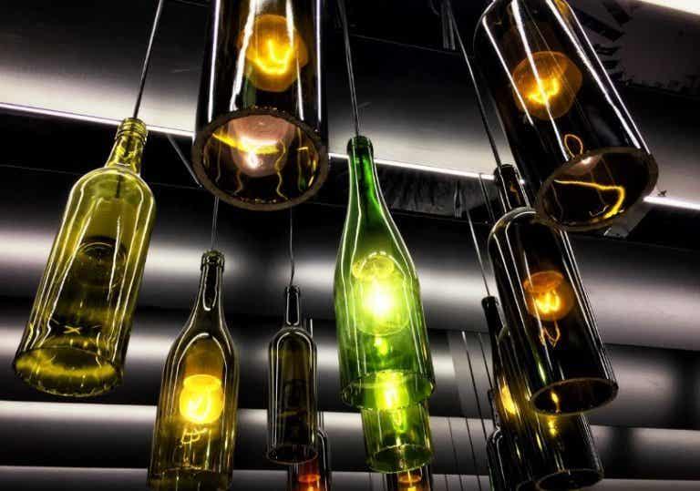 3 modèles de lampe à fabriquer avec des matériaux recyclés