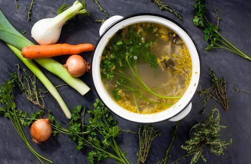Les bouillons aux légumes pour guérir la grippe
