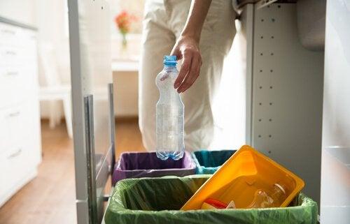 5 idées pour fabriquer des poubelles pour les déchets recyclés