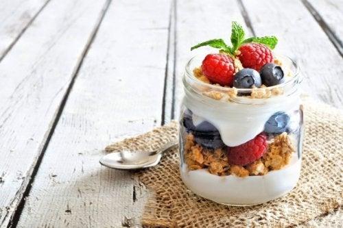 Préparez votre yaourt aux fruits maison avec cette recette simple