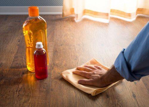 faire disparaître les rayures sur les sols en bois