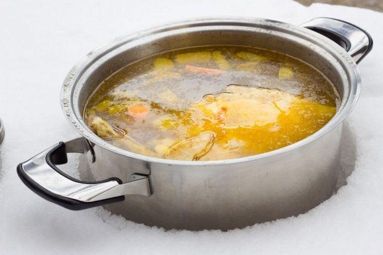 2 façons de préparer un bouillon faible en calories