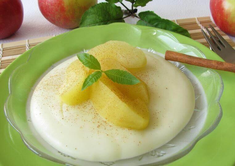 dessert blanc à la pomme et à la noix de coco