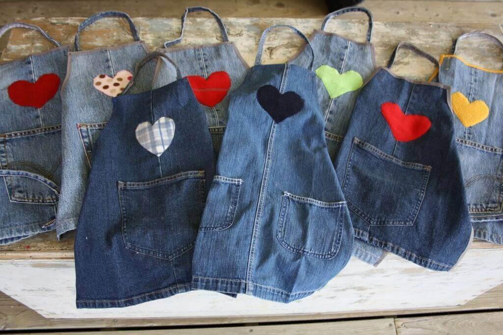 tabliers réalisés avec des vieux jeans