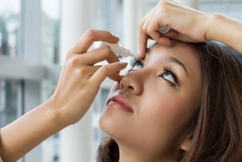 7 soins de base pour prendre soin de ses yeux