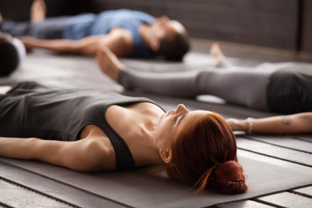 Exercices de yoga pour débutants : 5 postures de base